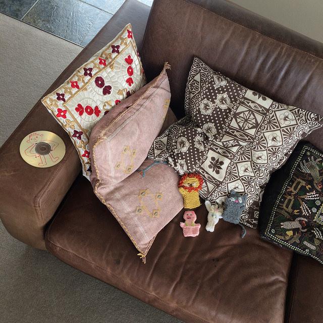 sofa-brownz