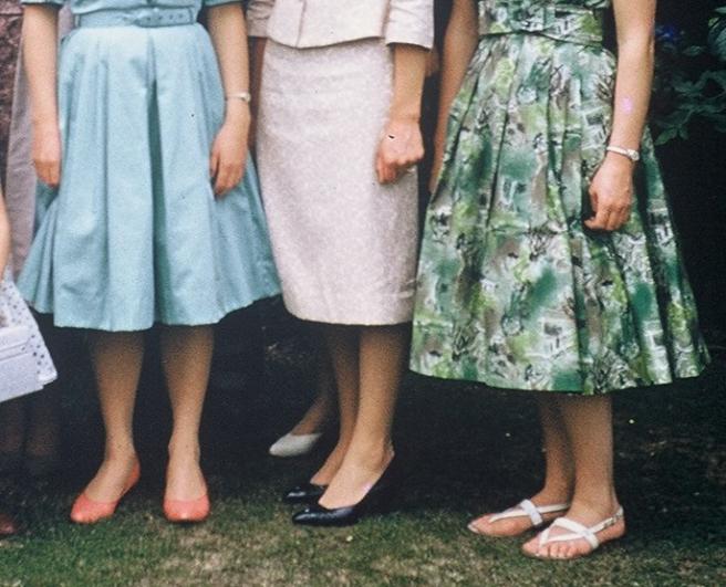 sisters.legs